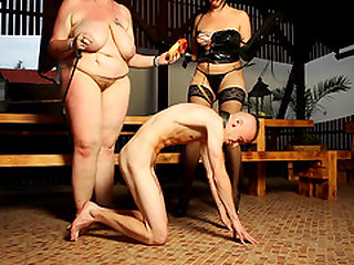 Diana and Dominika love making a sex slave's cock pulsate