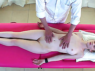 Fantastic arousing pussy sucking with lesbians Emily and Kiki