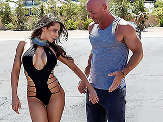 Brazzers – Madison On The Prowl
