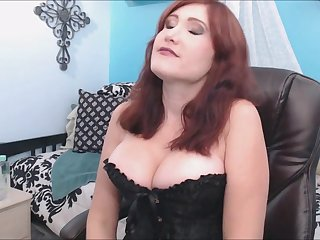Hot Mom On Cam She Squirts For The First Time