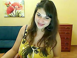 Chubby horny girl uses her chunky assets to tease the webcam