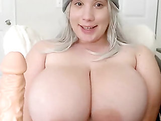 Excited Sexy Body Whore Plays With Her Pussy