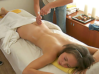 Thrilling Laura C. with a steamy massage and pussy sucking
