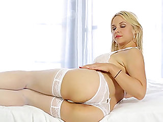 Rilynn Rae loves the feeling of her big tits bouncing when she gets