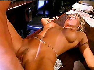 Bouncing on a pulsating wiener destroying her butt