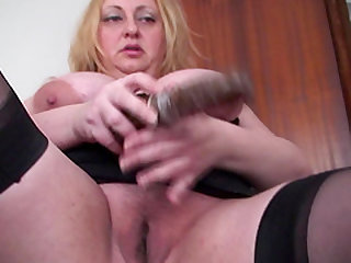 Raquel is a big breasted babe who loves to masturbate hard