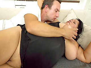 Huge babe Bubi having her slippery pussy nailed by her boy Rob