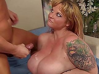 Fatty Kali Kala Lina Has Her Twat Reamed by a Bald Bastard