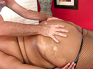 Black Peaches Love Has Her Fleshy Body and Cunt Massaged