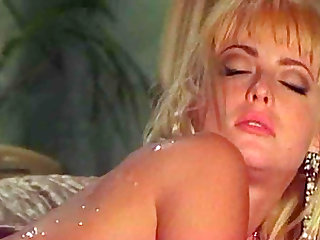 Horny blonde invites a hot guy for a great sex game