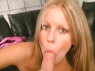 Long love tool is all a pretty amateur girl craves in her mouth
