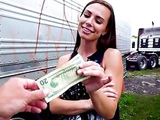 Girl enjoys cash for a nice session of outdoor POV sex