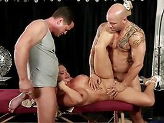 Jaw dropping threesome by lovely Cali Carter