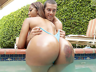 The Wetter The Better - Round and Brown