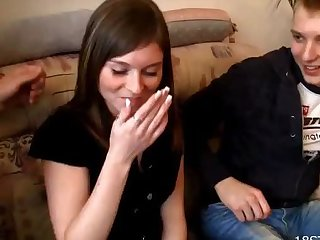 Видео где парень трахал девушку у галах народа — 13